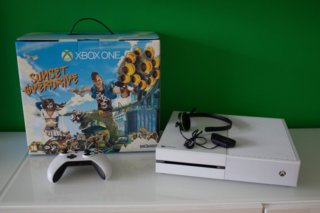 Microsoft Xbox One White Sunset Overdrive Edition