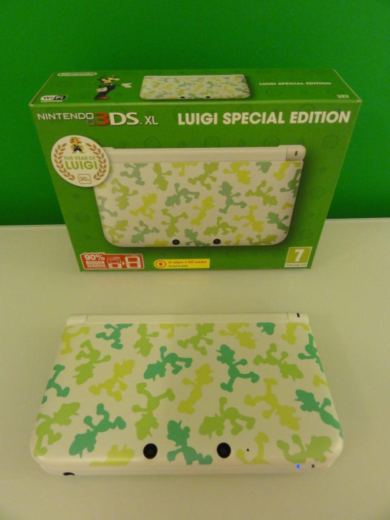 Nintendo DS XL Luigi Special Edition scaled