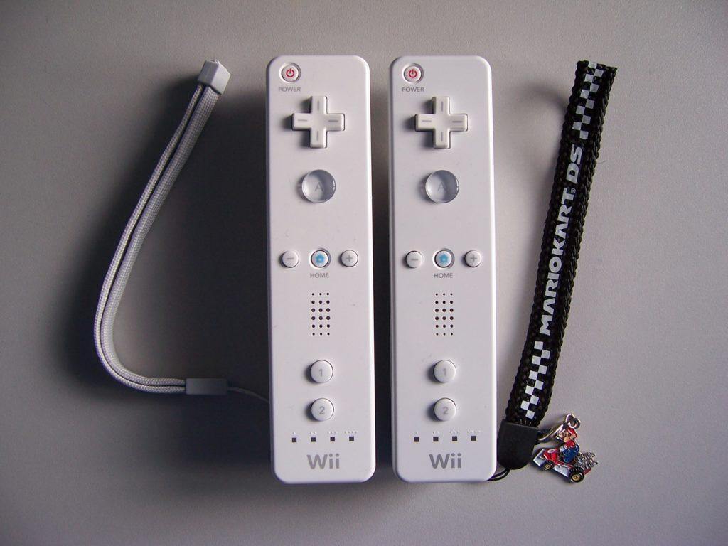 x Nintendo Wii Remotes